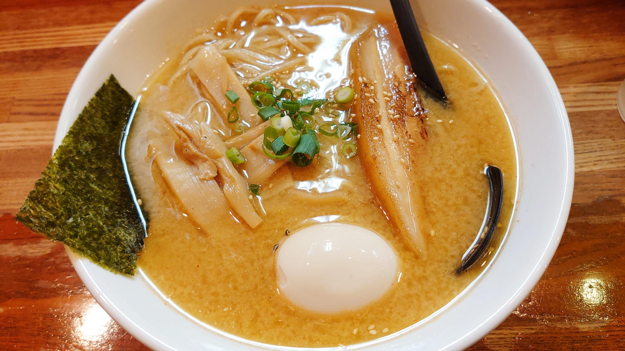桑原亭 東川口 みそ味玉ラーメン(鶏ガラあっさりスープ)