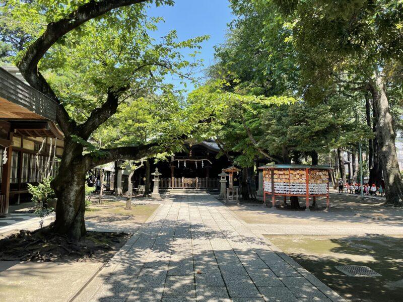 川口神社 境内